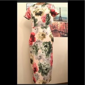 Neiman Marcus Floral Scuba Body con Dress